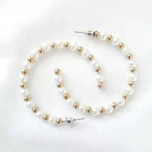 Jewelry - Pearl and gold hoop earrings